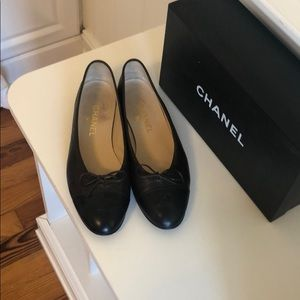 CHANEL Shoes - Authentic Chanel Ballet Flat. 9.5. Great Condition